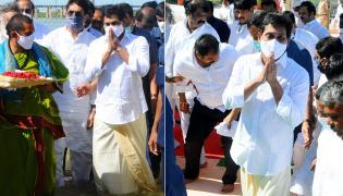 AP CM YS Jagan Mohan Reddy inaugurates Tungabhadra Pushkarams Photo Gallery - Sakshi