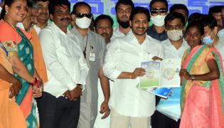CM YS Jagan Mohan Reddy Starts Illa Pattalu Scheme Photo Gallery - Sakshi
