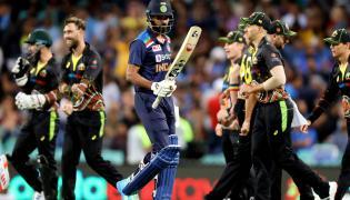 Australia win 3rd T20 by 12 runs Photo Gallery - Sakshi