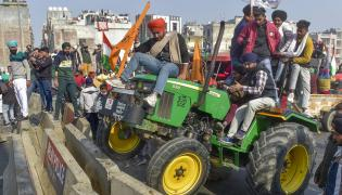 Farmers Protest in Delhi Photo Gallery - Sakshi