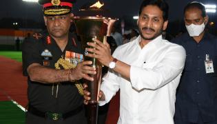 YS Jagan Praises Soldiers Duties Swarnim Vijay Varsh - Sakshi