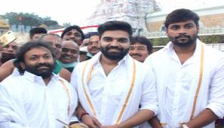 Celebrities visit Tirumala Venkateswara Temple Photo Gallery - Sakshi