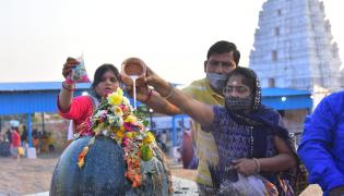 Maha Shivaratri 2021: Rush At Keesaragutta Photo Gallery - Sakshi