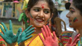 Festival Of Colors In India - Sakshi