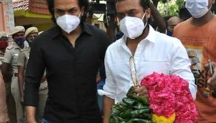 Comedian Vivek Dies Tributes To Celebrities Photo Gallery - Sakshi