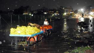 Heavy Rain Lashes in Hyderabad Pics - Sakshi