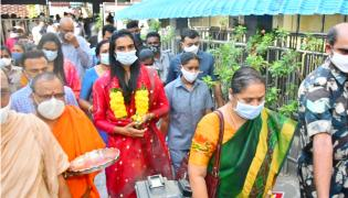 PV Sindhu visits Vijayawada Kanakadurga temple Photo Gallery - Sakshi