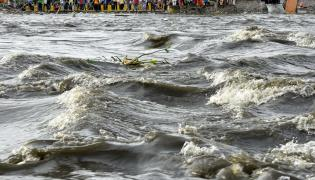 Musi River Overflows With Heavy Rain Photo Gallery - Sakshi