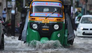 Heavy rain in vijayawada Photo Gallery - Sakshi