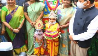 Tamilsai Soundarajan, MLC Kavitha at the Batukamma ceremony Photo Gallery - Sakshi