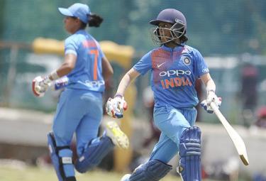 India beat Srilanka to Clinch T20 Series - Sakshi