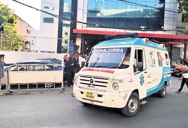 Live Organs Transport To Airport From Global Hospital - Sakshi
