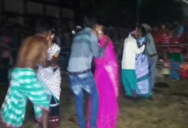 Controversial Kissing Contest In Jharkhand Ban This Year - Sakshi