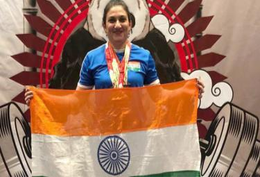 Mother of Two Teens Wins 4 Golds in Powerlifting at Open Asian Championship - Sakshi