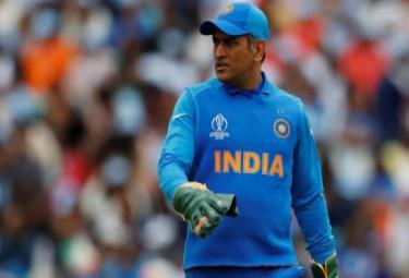 Dhoni Should Go Without Being Pushed Out Gavaskar - Sakshi