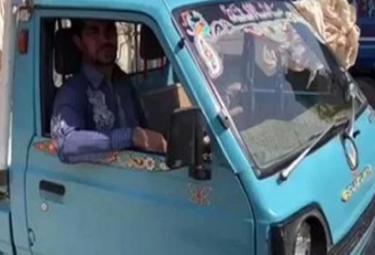 Former Cricketer Turns Van Driver To Make Living - Sakshi