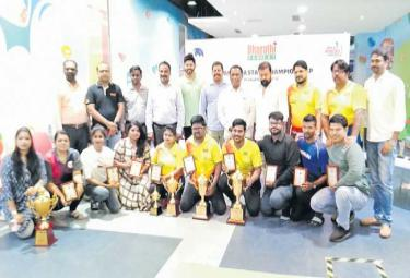 Tenpin Bowling Championship Winners Kiran And Jyoti - Sakshi