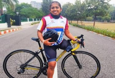 Madhya Pradesh Tanya Dhag CycleD 3800 Kilometers In 43 Days - Sakshi