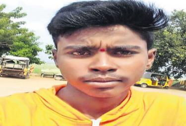 Inter student suicide in college hostel - Sakshi