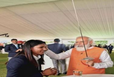 PM Modi Gifts: Bhavani Devi Fence, Krishna Nagar Racquet Received Rs 10 Crore Bids - Sakshi