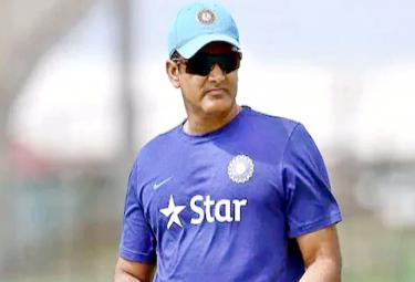 Report Says BCCI Could Approach Anil Kumble Role of Team India Head Coach - Sakshi