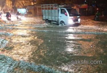 heavy rain hits hyderabad city