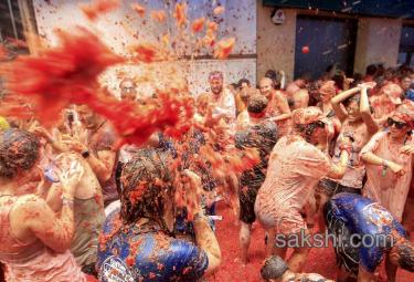 tomatina festival kicks off in spain