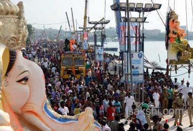 Ganesh immersion festivities in hyderabad