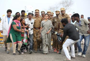 Nayanthara in Karthavyam Movie Photos