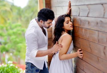 Anthaku minchi Movie stills Photo Gallery - Sakshi