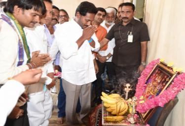YS Jagan PrajaSankalpaYatra 264th Day Photo Gallery - Sakshi