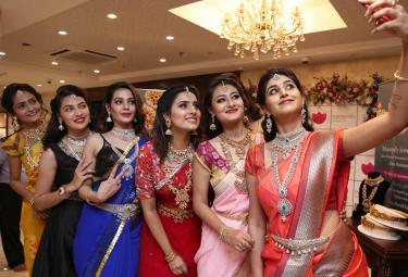 Weekend Best Pictures 42th Week Sakshi News - Sakshi