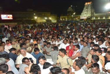 YS Jagan Mohan Reddy in Tirumala Photo Gallery - Sakshi