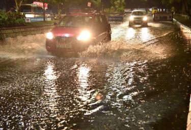 Rain in Hyderabad Photo Gallery - Sakshi