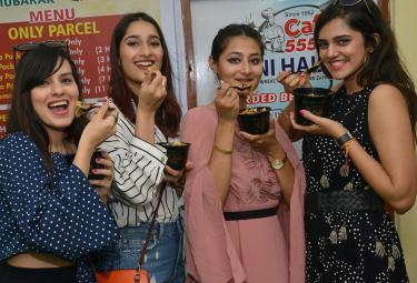 Haleem Recipe in hyderabad Photo Gallery - Sakshi