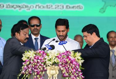YS Jagan Mohan Reddy swearing-in ceremony Photo Gallery - Sakshi