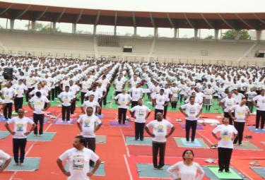 international yoga day hyderabad Photo Gallery - Sakshi