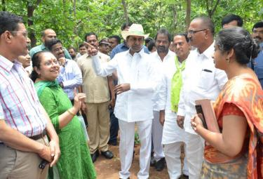 KCR Visits Komatibanda And Gave Directions To Collectors Photo Gallery - Sakshi