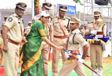 DSP Passing Out Parade of 2018 Batch Held at Magalagari Photo Gallery - Sakshi