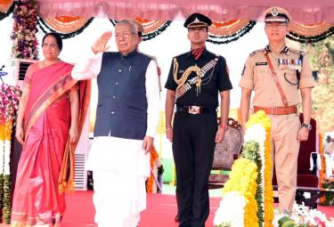 AP Governor Biswabhusan Harichandan Republic Day Celebrations In Vijayawada - Sakshi