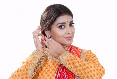 Shriya Saran Photo Gallery - Sakshi