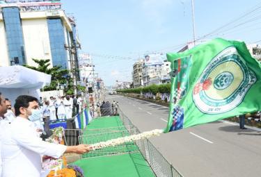 cm ys jagan launched ambulances vijayawada photo gallery - Sakshi