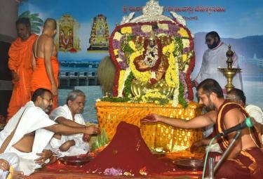 dussehra sharan navaratri festival in indrakiladri - Sakshi