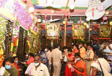 Durga Navaratri 2020 in Kanakadurga  - Sakshi