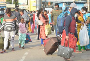 Huge Rush At Bus Stands Due To Sankranti Festival - Sakshi