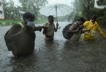 Cyclone Tauktae To Hit West Coast Mumbai photo gallery - Sakshi