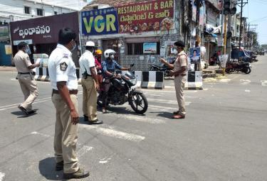 Corona Second Wave Partial Curfew Force InTo Andhra Pradesh Photo Gallery - Sakshi