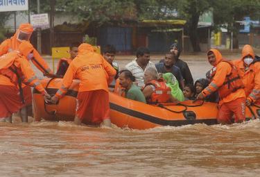 Heavy rains cause floods in parts of Maharashtra Photo Gallery - Sakshi