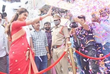 Keerthy Suresh Launches CMR Shopping Mall In Mancherial - Sakshi