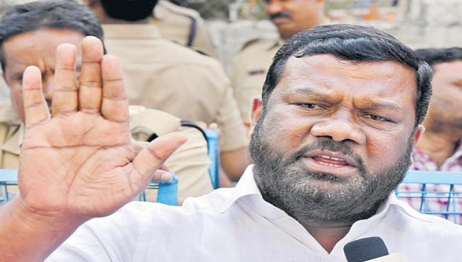 TRS coverts in Congress says gajjela kantham - Sakshi